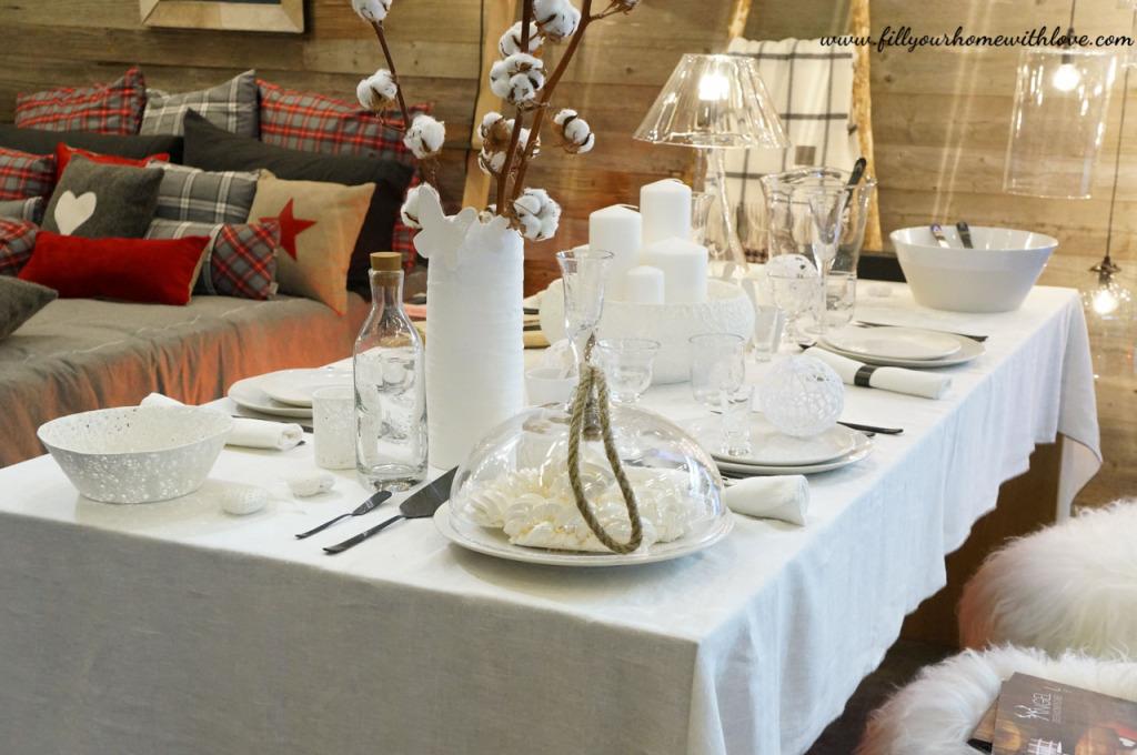 coltelli, forchette, piatti, decorazioni per la tavola,