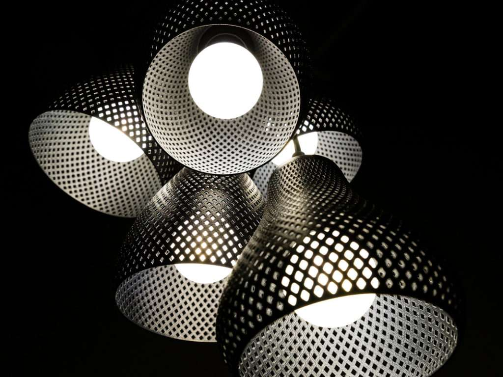 Plumen-Formaliz3d lampada rumble unte tra loro