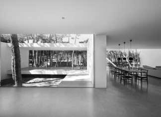 Frederico Valsassina Arquitectos progetta questa bellissima villa moderna a pochi passi da sintra