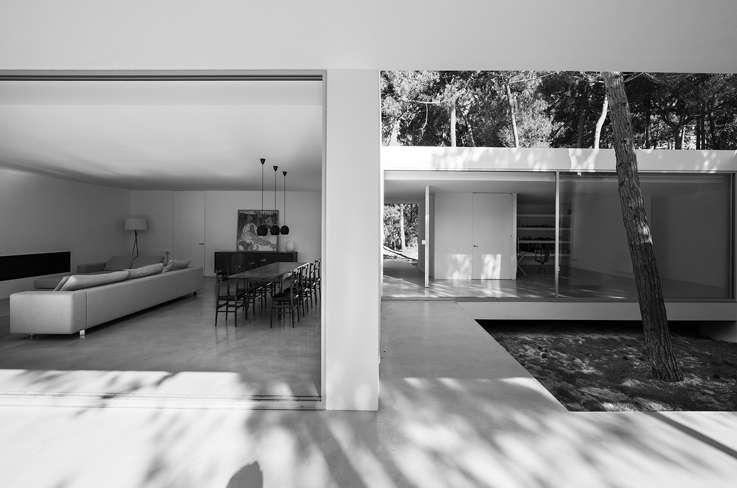 cucina e zona patio villa moderna a sintra