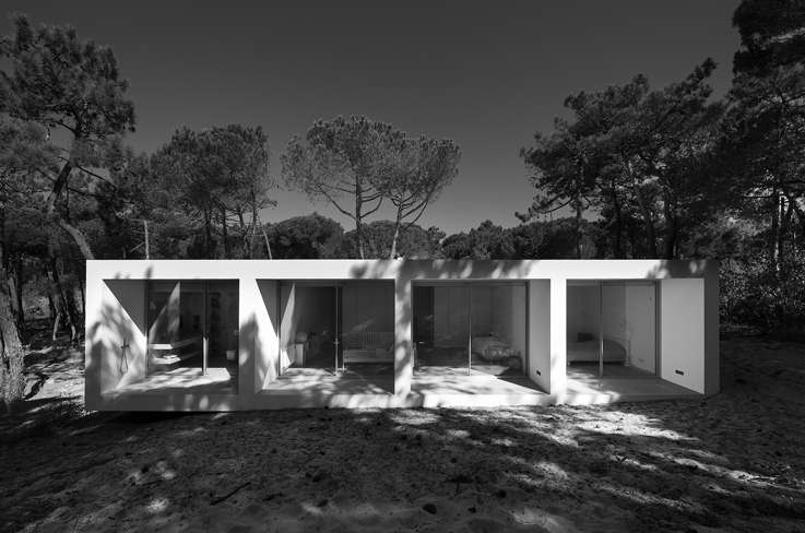 facciata esterna villa modernaFrederico Valsassina Arquitectos