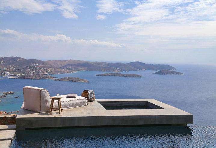 Una villa vista mare in Grecia