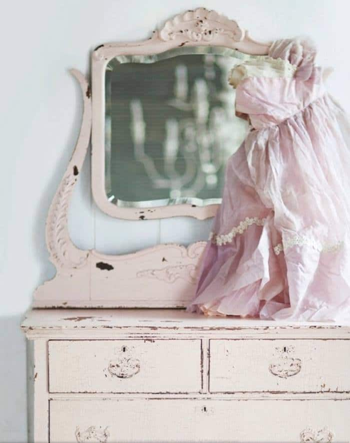 arredamento stile shabby chic rosa pastello