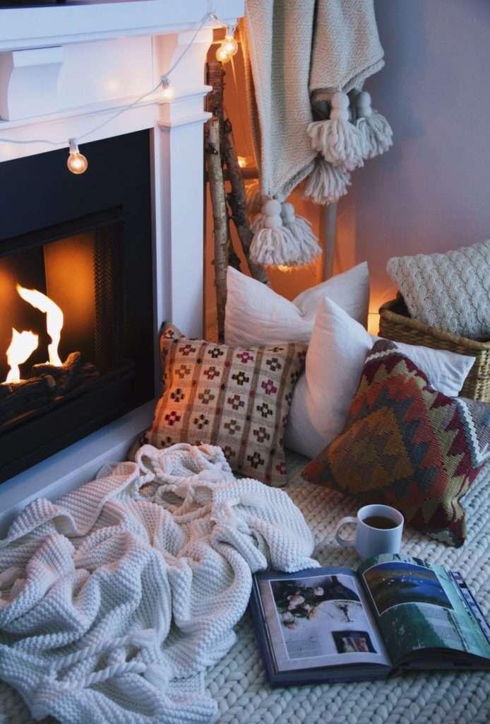 casa hygge cuscini coperte