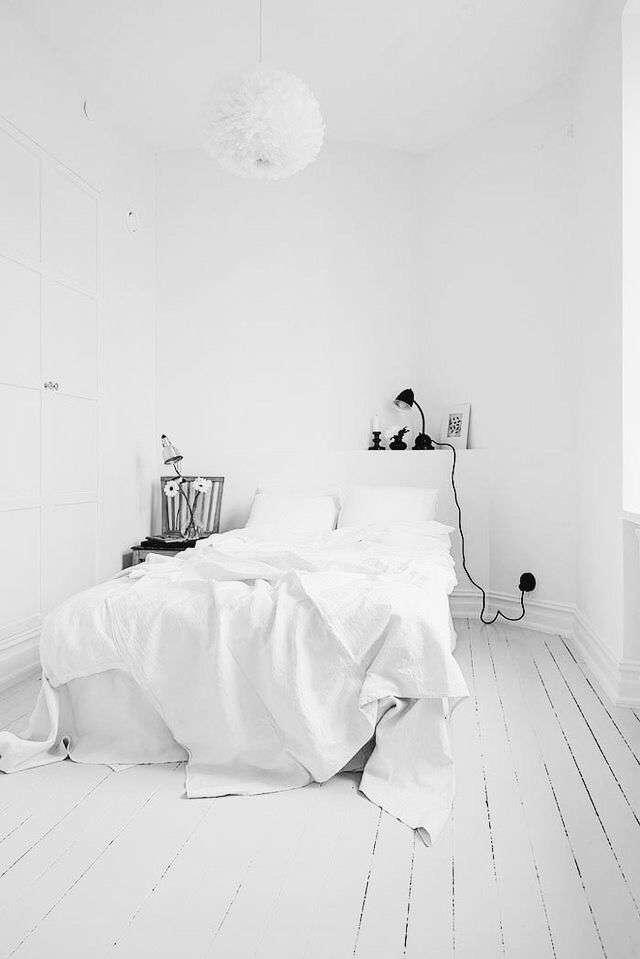 camera da letto bianca piccola