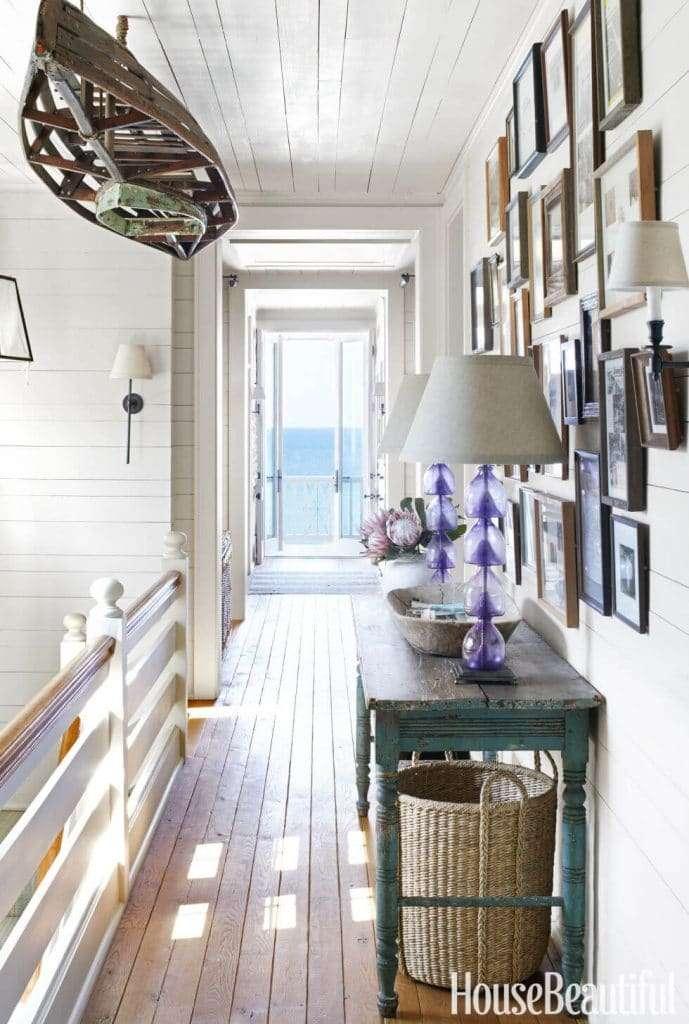 soggiorno stile provenzale con elementi marini