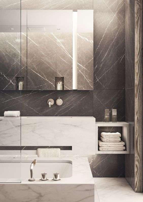 bagni in marmo con contrasto
