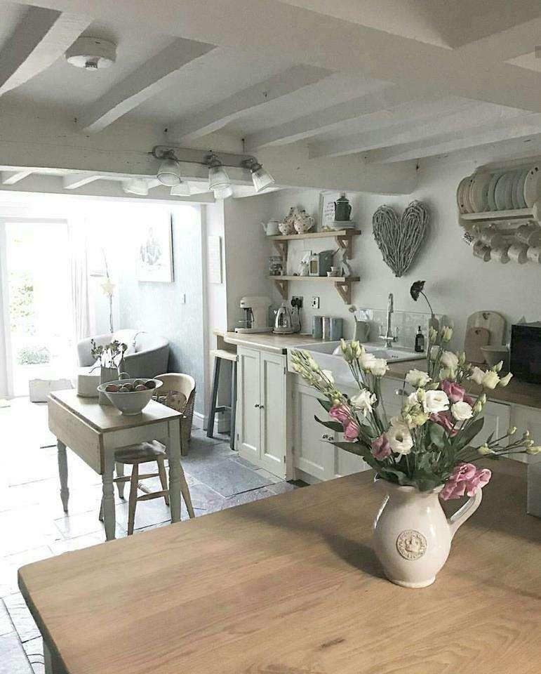 fiori nelle cucine provenzali