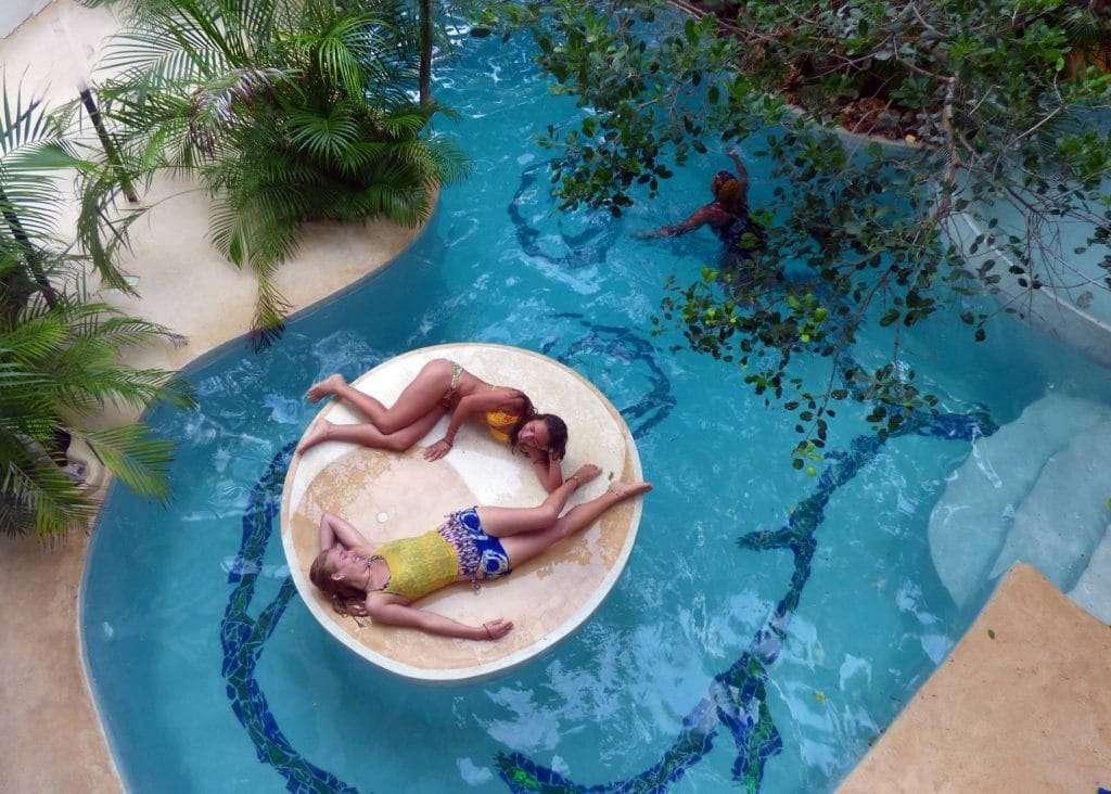 watamu treehouse piscina