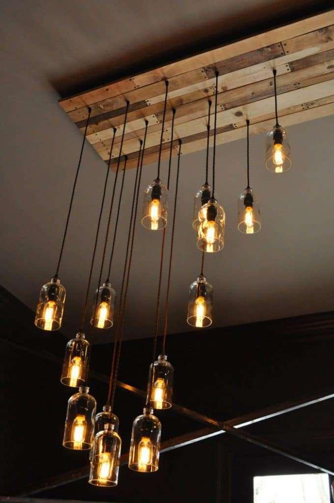 lampadario vintage con elementi sospesi