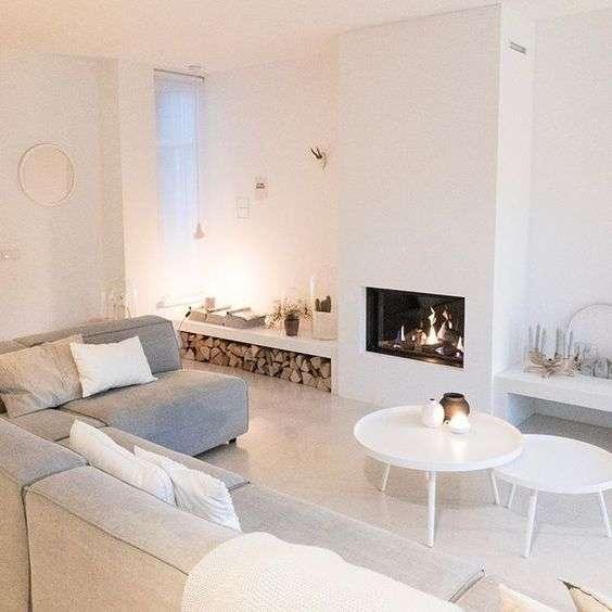 Arredamento soggiorno moderno dando spazio al bianco