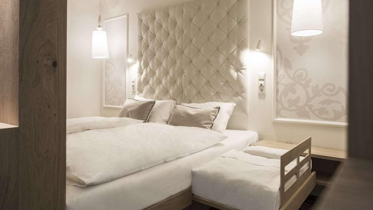 cavallino bianco testata del letto