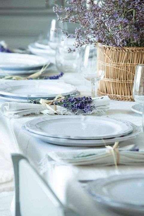Decorazioni per la tavola in stile provenzale lavanda
