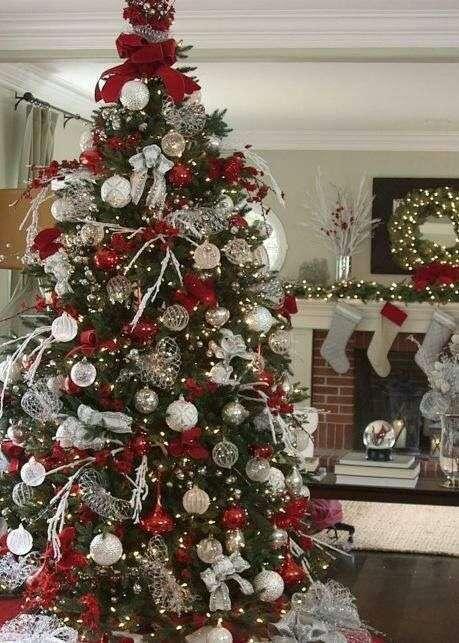 decorazioni natalizie albero rosso