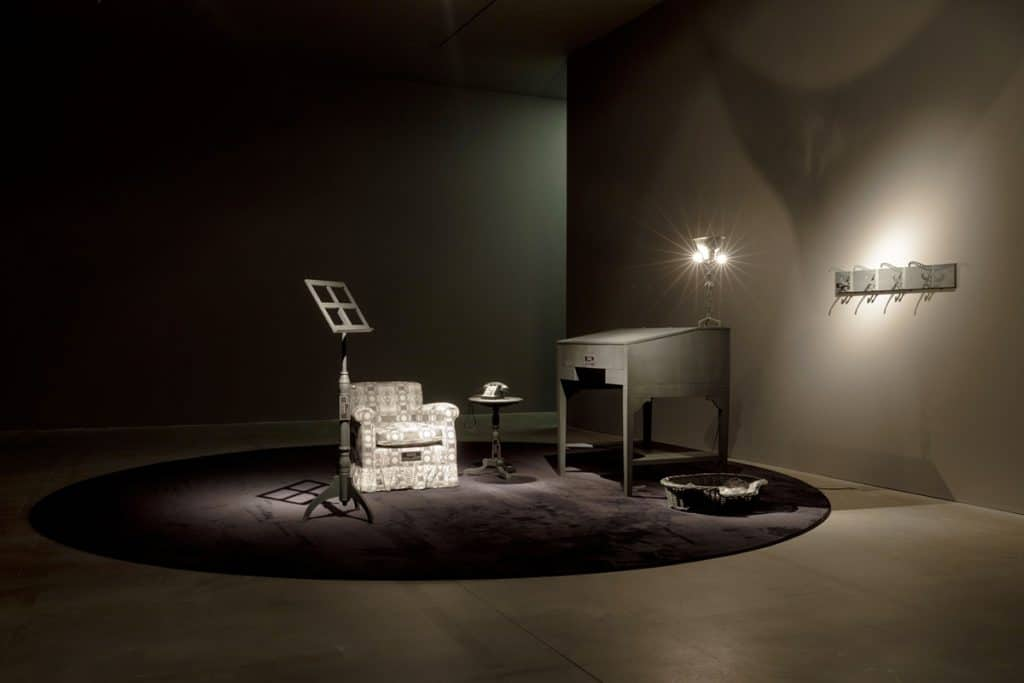 Joseph Kosuth Existential life Milano