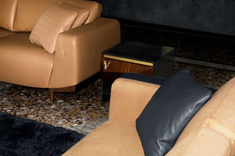 versace casa divani in pelle