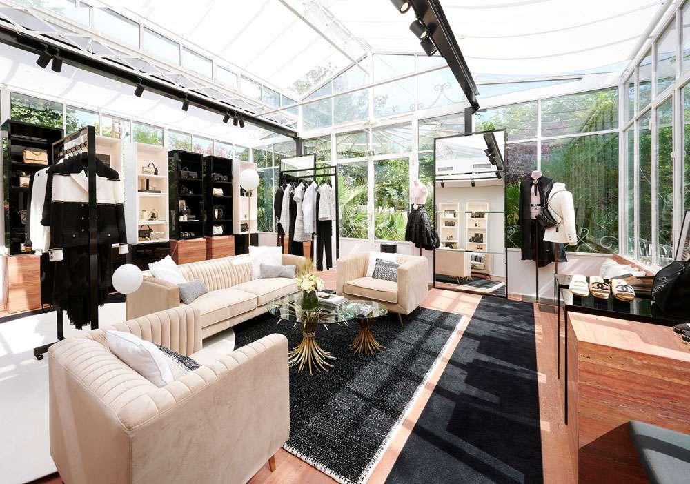 Chanel pop up store Saint Tropez