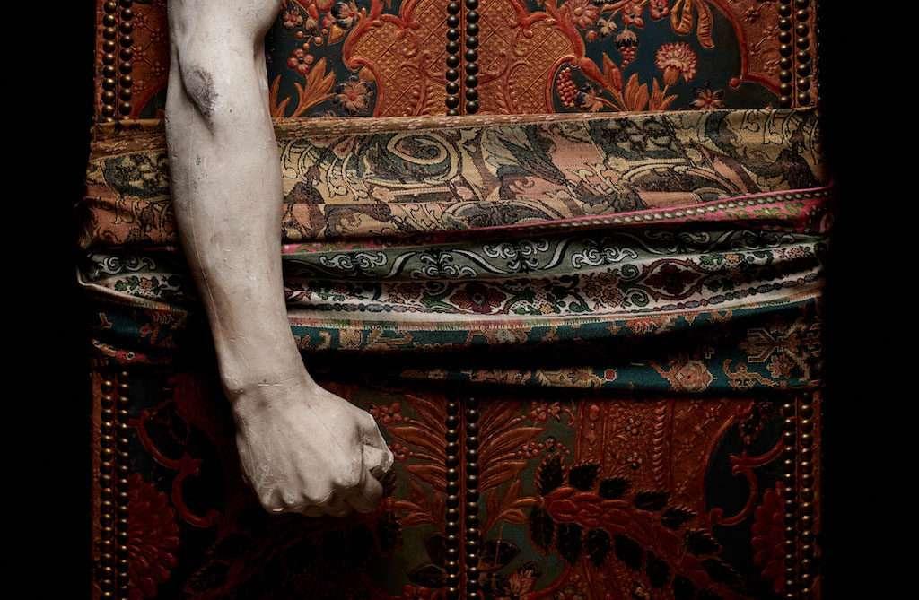 Notturna e intima. La maison dark di Pierre-Louis Mascia