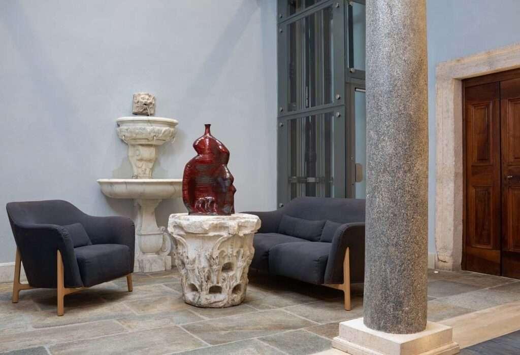 palazzo delle pietre a roma