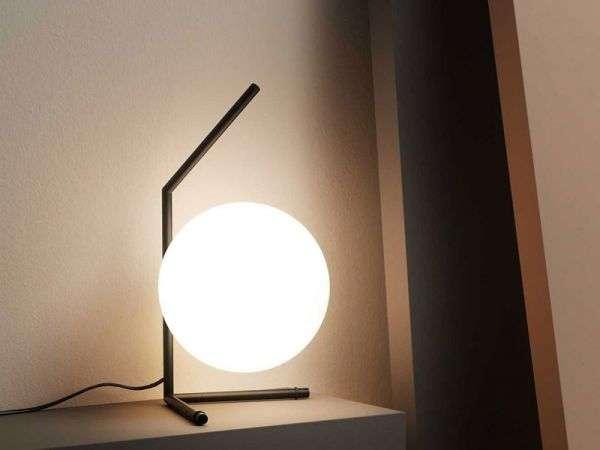 Come scegliere la lampada da tavolo perfetta