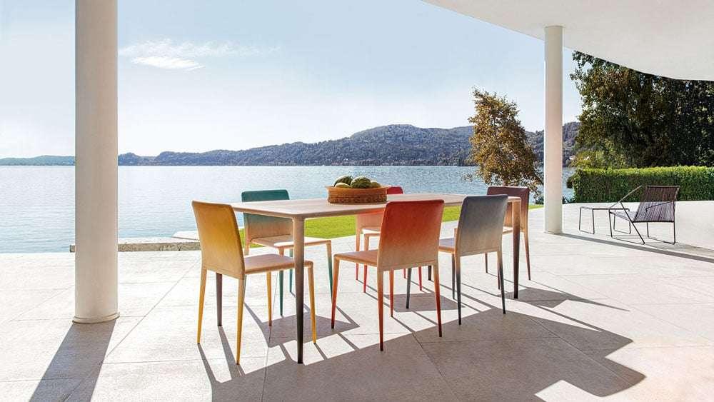 Al-Supersalone-trionfa-la-moda-5-novità-dal-mondo-del-design-MISS-WOOD-sedie-e-tavolo-design-by-MISSONIHOME-STUDIO