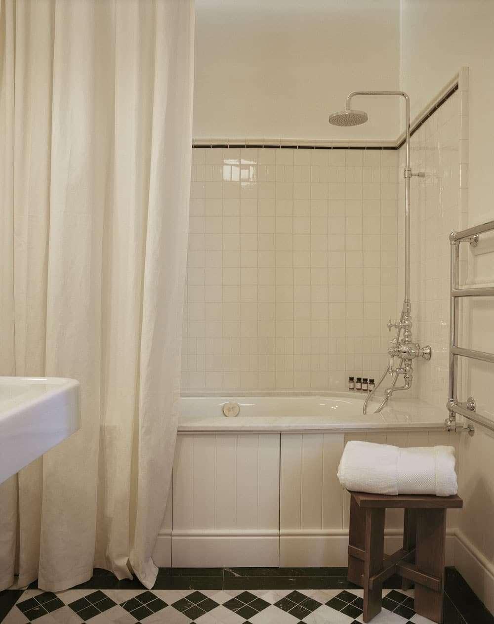 Arriva-il-primo-hotel-firmato-Zadig-e-Voltaire4